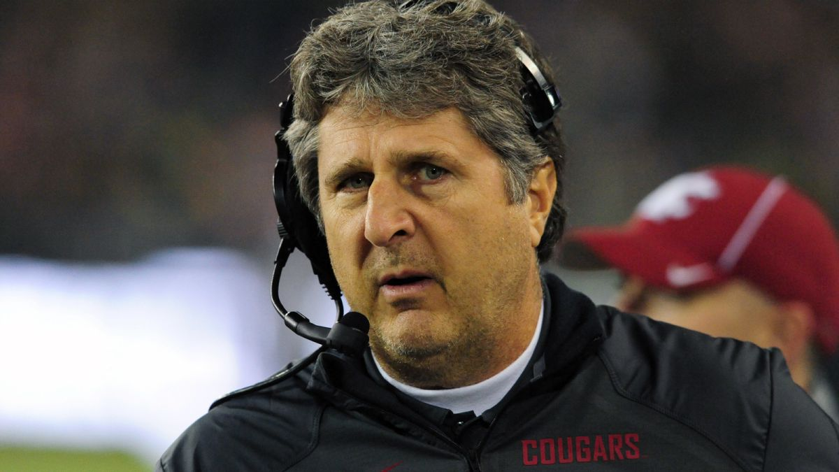 Mike Leach gaining momentum in Tennessee coaching search
