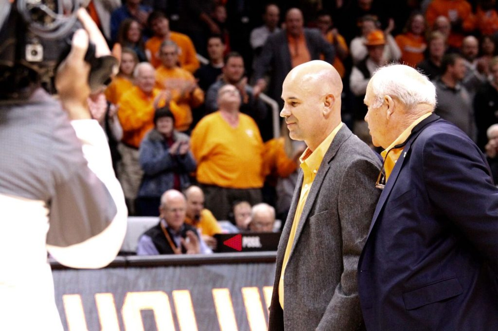 Tennessee Athletics - Fulmer Signs Four-Year Contract