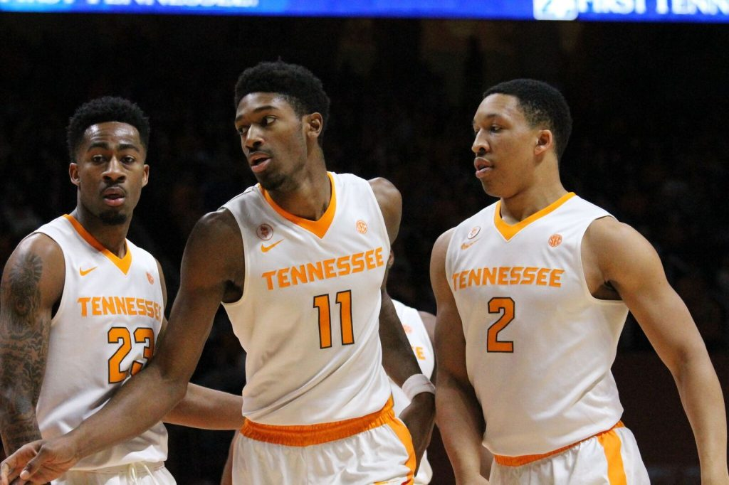 No. 18 Vols grind out win versus SC