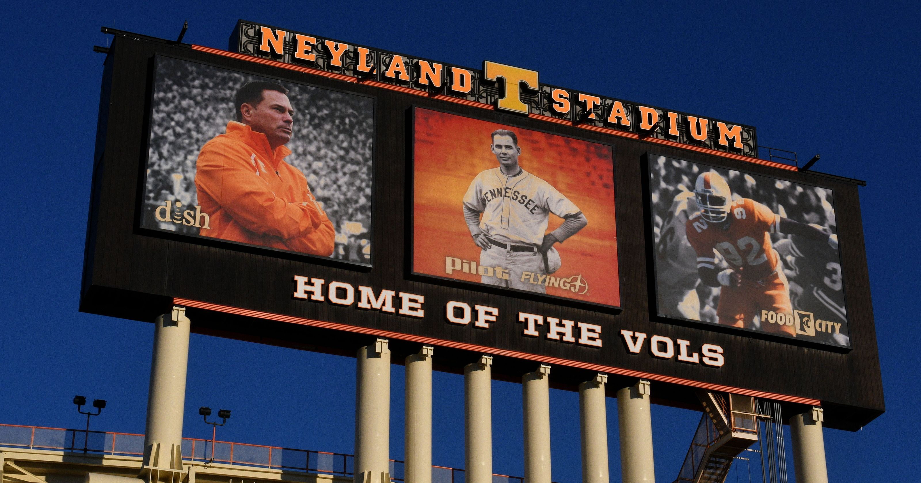 Report Work Scheduled To Remove Butch Jones From Jumbotron Rti