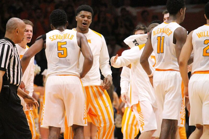 Vols Dominant in 76-54 Win at Mississippi State