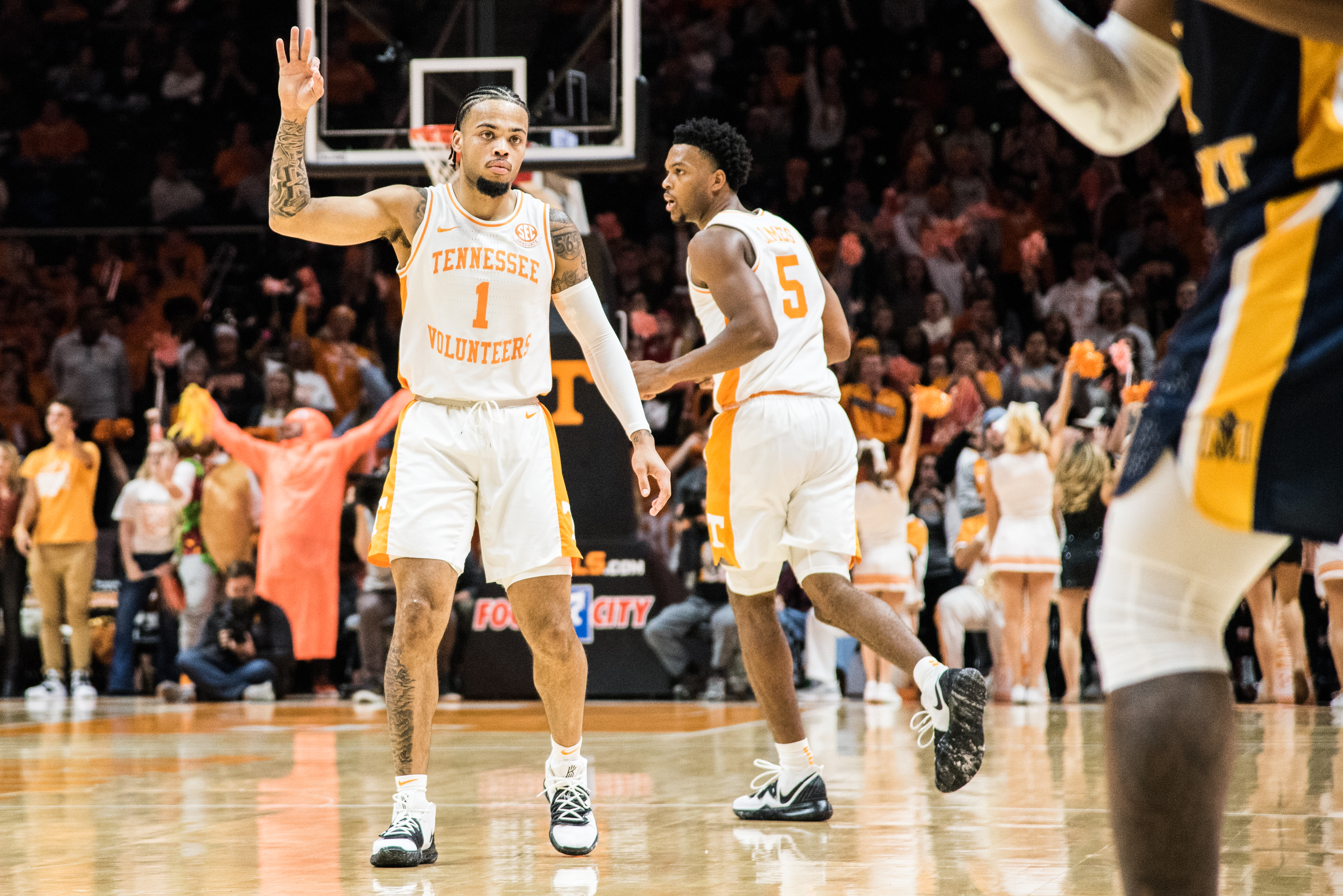 vcu tennessee betting line